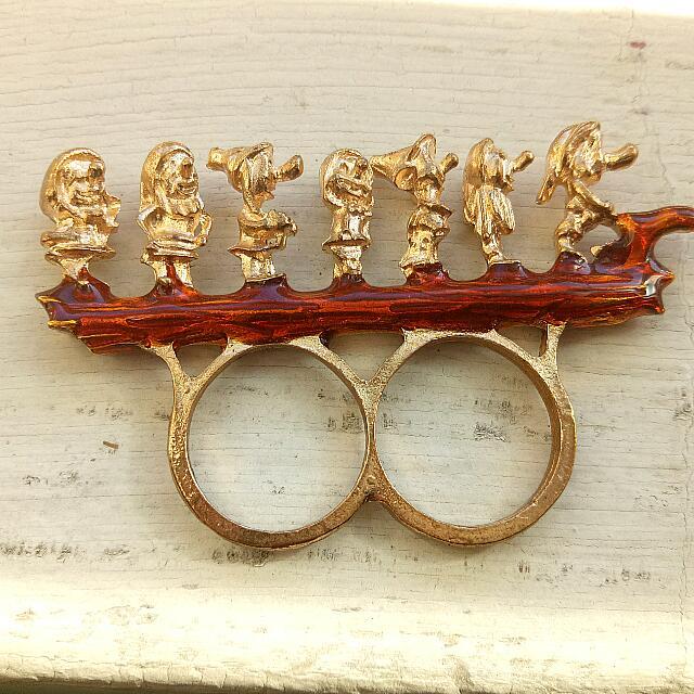 Double Finger Ring - The Seven Dwarfs