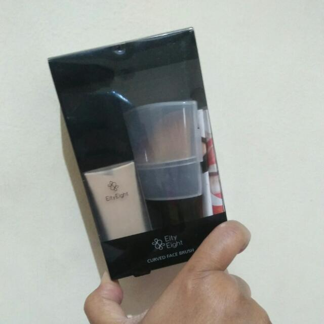 Eity Eight Liquid Foundation