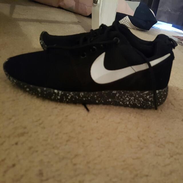 Fake Nike Roshies