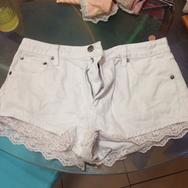 [FREE SHIPPING] Forever 21 High Waisted Lace Shorts