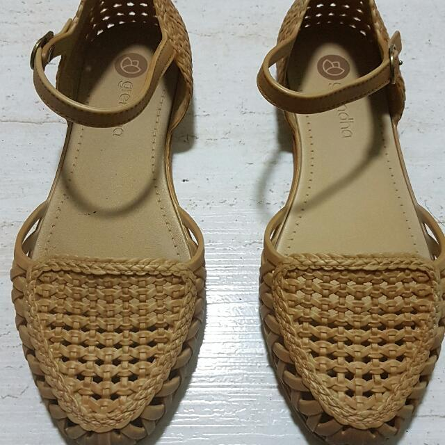 GRENDHA Jelly Shoes (flesh - size 6 USA)