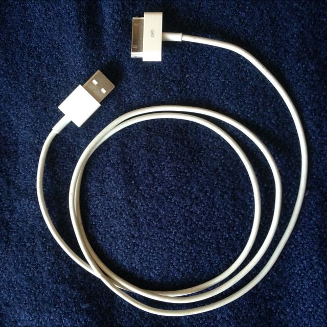 iPad 1, 2, 3 And iPhone 4 ORIGINAL charger