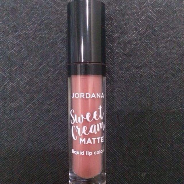 Jordana Sweet Cream Matte Liquid Lip Color  Shade : Tiramisu
