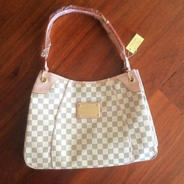 Louis Vuitton Bag Damier Chanel
