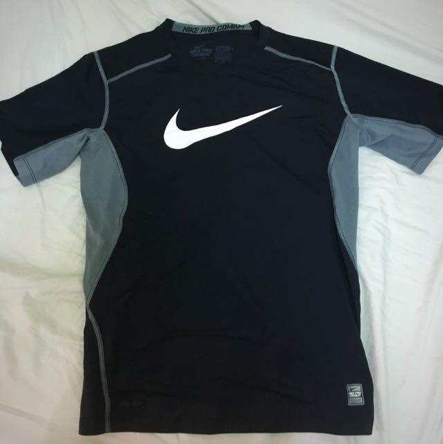 Nike 大Logo束衣 9.5成新