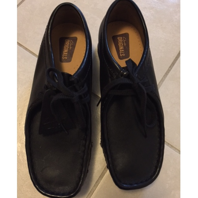 Size 6 Mens Clarks Wallabees - NEVER WORN