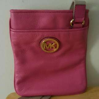 Authentic nwt MICHAEL KORS CROSSBODY BAG