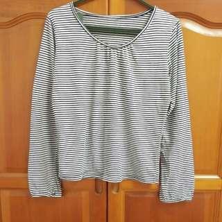 九成新 ❤條紋上衣 前面抓皺設計 黑色細條紋 內搭 長袖棉質T-shirt #新春5折