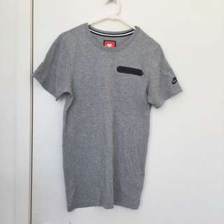 [New] Nike Front pocket Tee