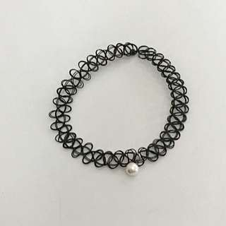 Tatto Choker With Pearl