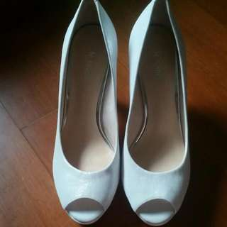 👠Le Saundra Classic Pearl White High Heels👠