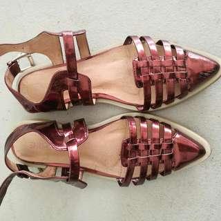 shubar sandal
