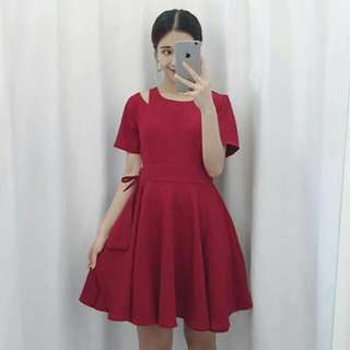 INSTOCK / RED CUTOUT DRESS