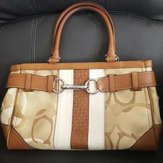 EUC AUTHENTIC COACH PURSE