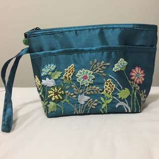 💚Wristlet Pouch💙 With Floral Embroidery