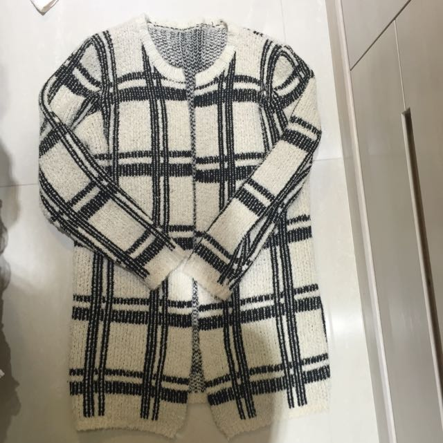 格紋圓領針織外套