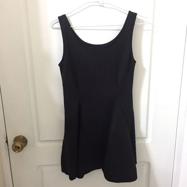 黑色縮腰無袖洋裝
