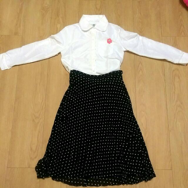 打底襯衫+點點百摺中長裙