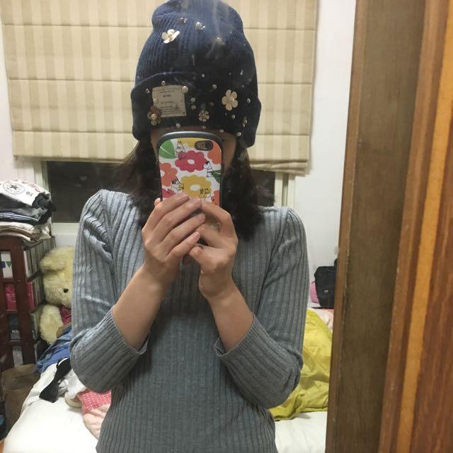 購自韓國珍珠花朵圖案毛帽