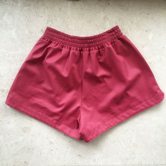 🌷 Red Pleather Faux Leather Shorts