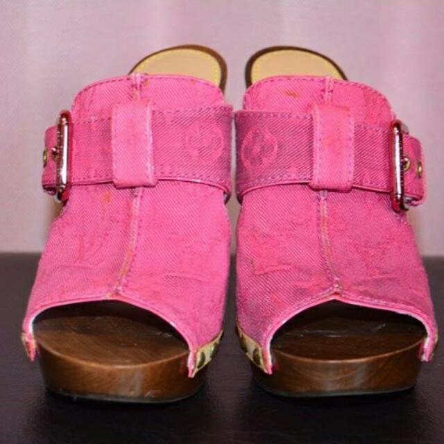 6962504e091c Authentic Louis Vuitton Sandals
