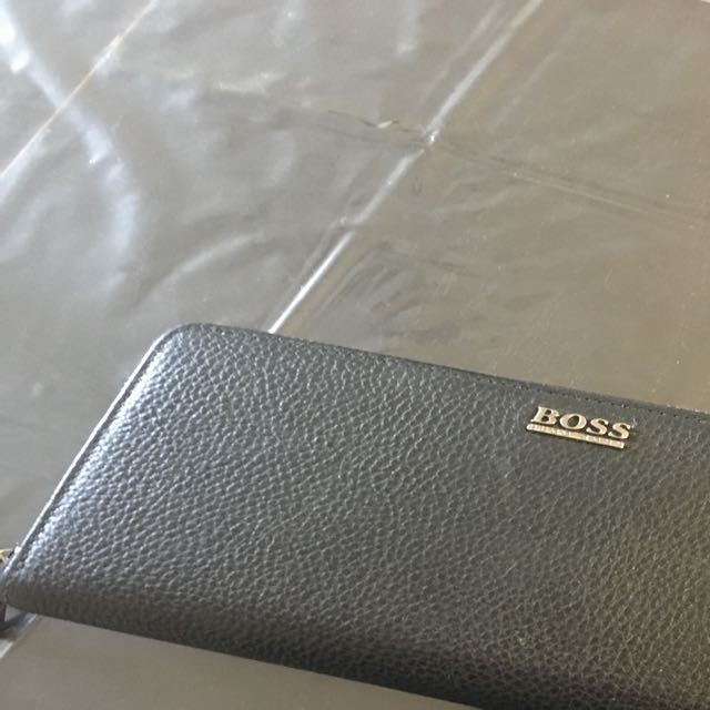 BOSS wallet like  new