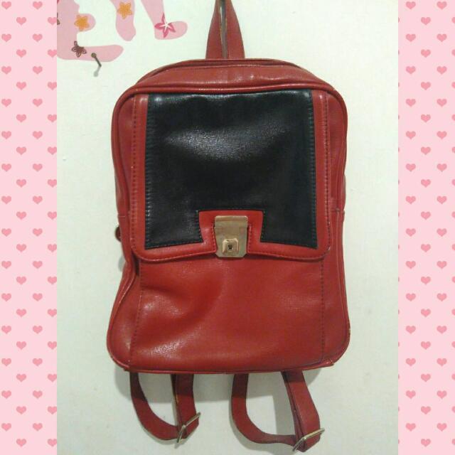 Elizabeth Red-black Bagpack