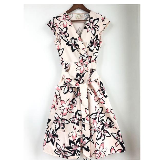 049c981a9 US Designer Cut Label Tiger Lily Wrap Dress Wedding Tea Length Kate Spade,  Luxury, Apparel on Carousell