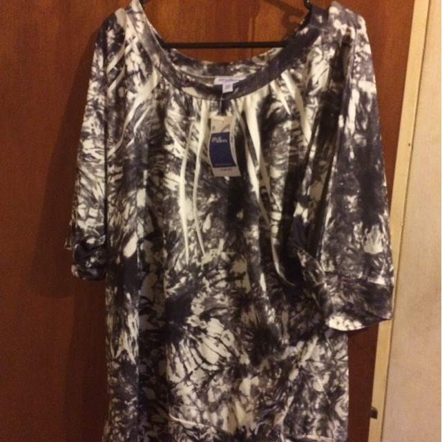 Millers 22 Bnwt Grey& white top