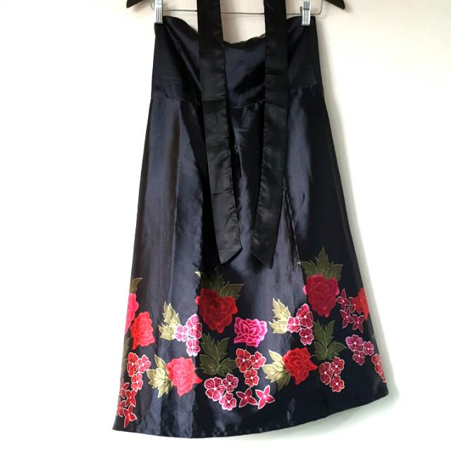 ec1f5a1cb7 Moonriver Floral Satin Tube Dress