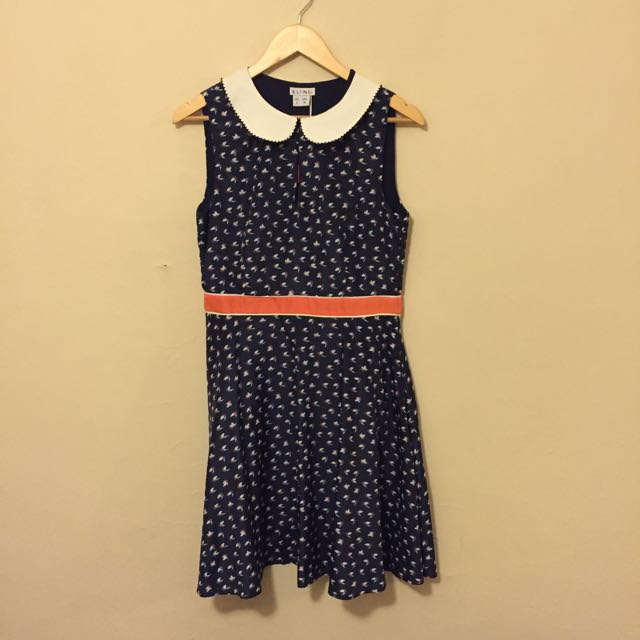 New Navy Bird Print Dress With Collar Size Medium
