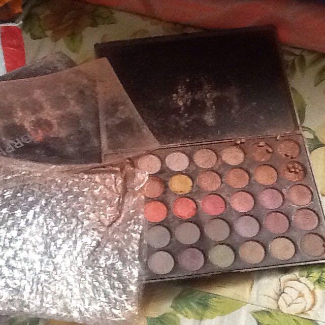 Please Wrap Fragile Makeup Palette With Layers Of Bubblewrap