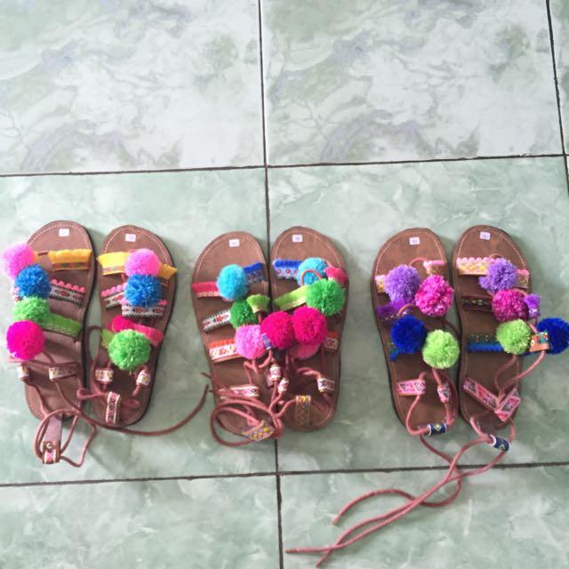Sendal Pompom Handmade