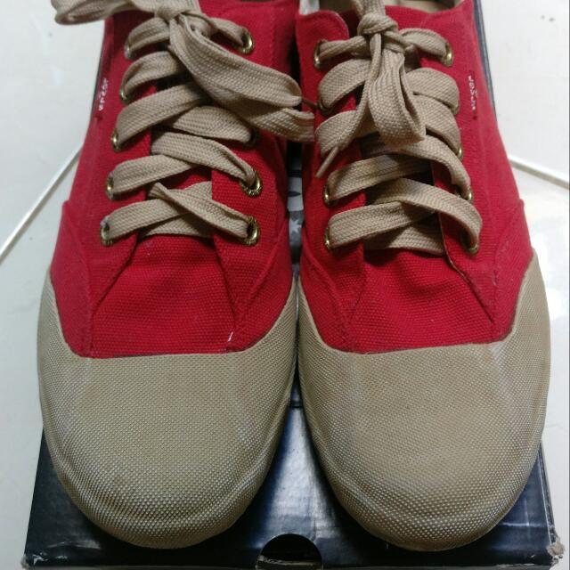 Sepatu Levi s Merah 5dd413a914