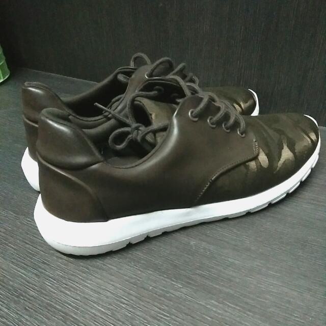 Sepatu Sneaker Zalora