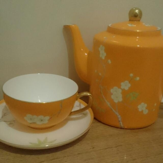 T2 Hand Painted Bone China Blossom Teapot and Cup Set