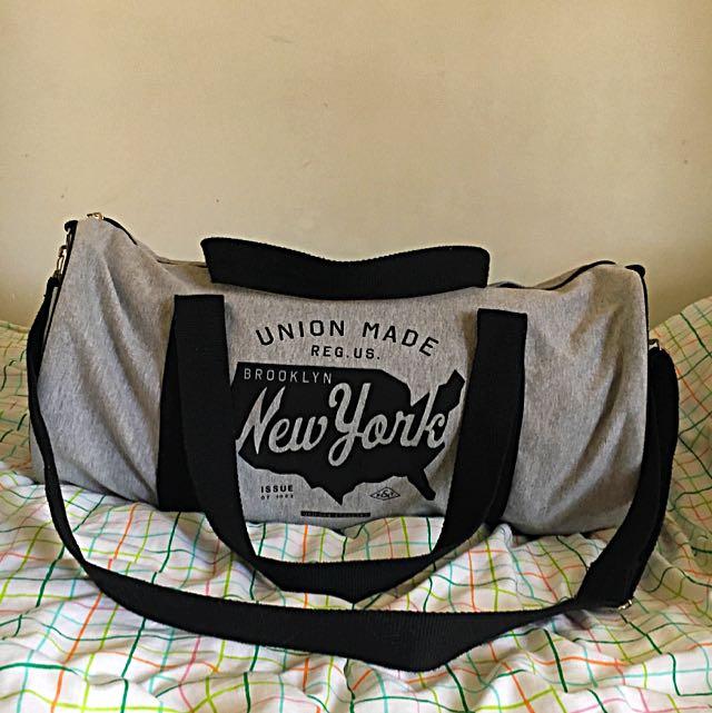 Typo - Gym Bag - Duffle Bag