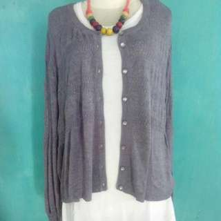 Grey Outer/cardigan (big)