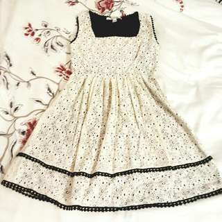 Forever 21 - Floral Lace Dress