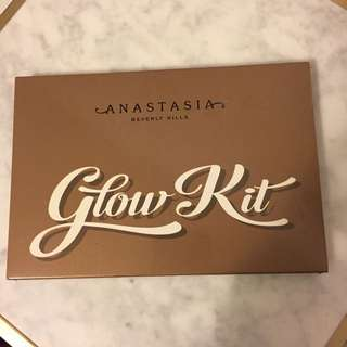 *LIMITED EDITION* Anastasia Beverly Hills Glow Kit