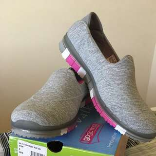 Sketchers Shoes Size 9