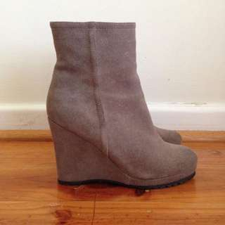 TONY BIANCO Suede Ankle Boots Size 5 / 35