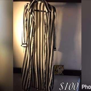 可當外套或洋裝的線條長版襯衫