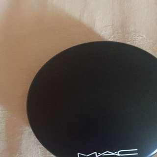 MAC Mineralize Skinfinish - Medium Golden