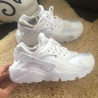 Brand New Nike Huaraches