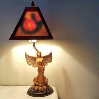 [二手] 古典雕花天使女神質感桌燈檯燈立燈 氣氛歐洲風 溫暖