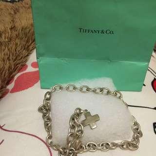 🚚 Tiffany&co⋯項鍊加十字墜子、只戴過2次,絕版、42cm,