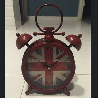 The Little Red Vintage Flag Clock!