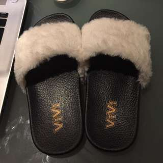 Vivi Fur White Slippers