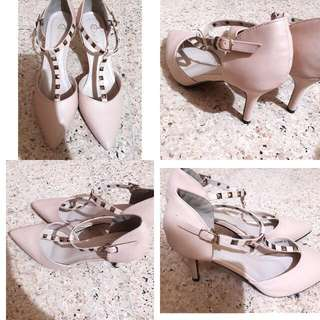 Sepatu Heels Donatello (Beli Karna Kebesaran )